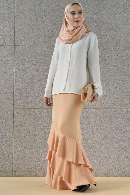 Cara in White