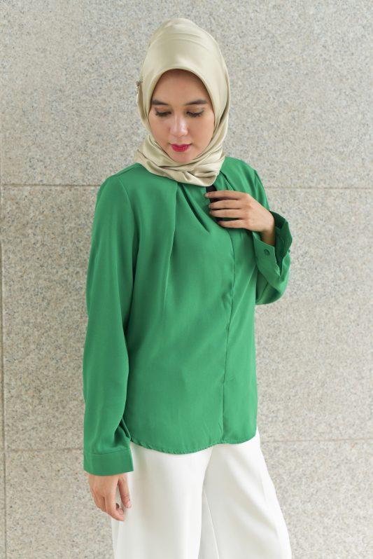 Suri in Green